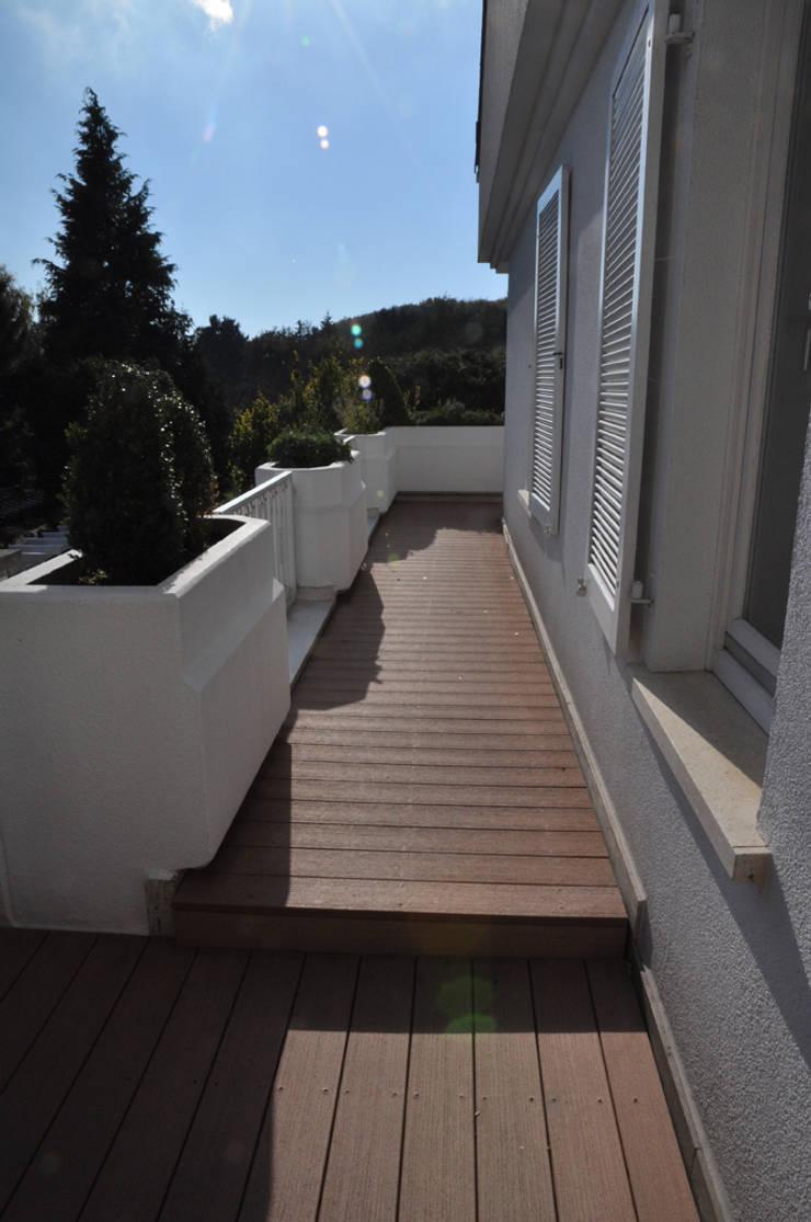 Modernes Haus Mit Umlaufendem Wpc Balkonbelag Von Mydeck Gmbh Homify