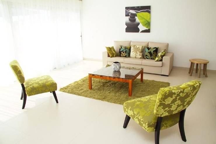 Villas Rocha 1: Salas de estar  por Atelier  Ana Leonor Rocha