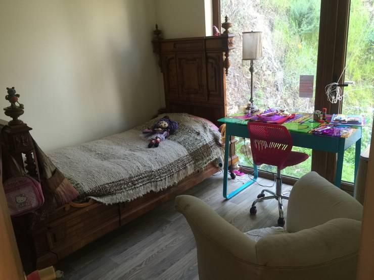 Dormitorio infantil con historia: Dormitorios infantiles de estilo ecléctico por Arquiespacios