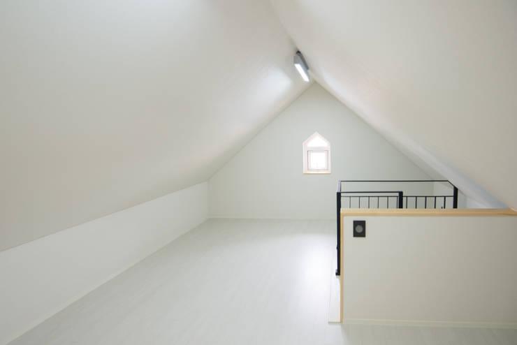 다락-2: 건축사사무소 재귀당의  방