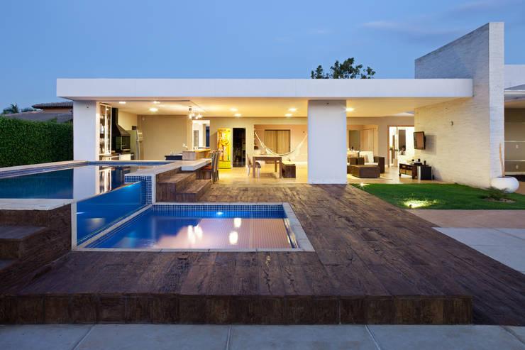 Casas de estilo  por Studio AZ