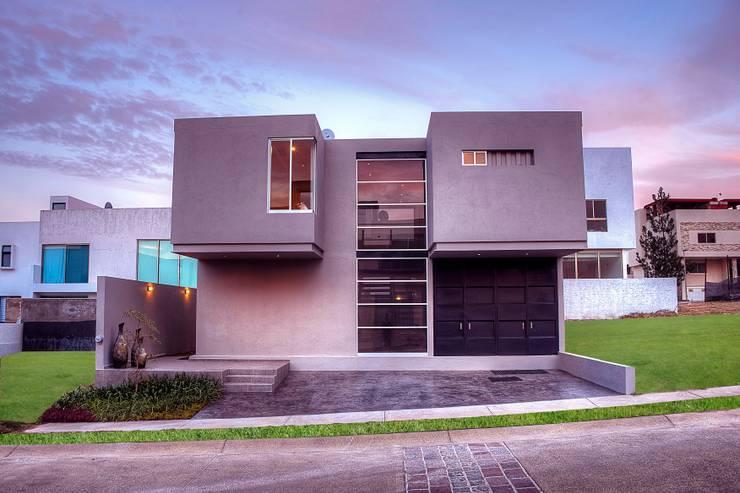 : Casas de estilo  por Con Contenedores S.A. de C.V.