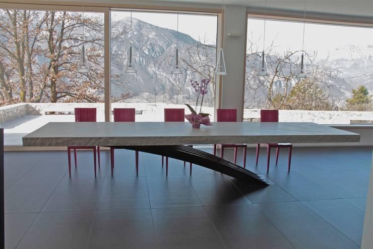 Salas de estar modernas por Mangodesign