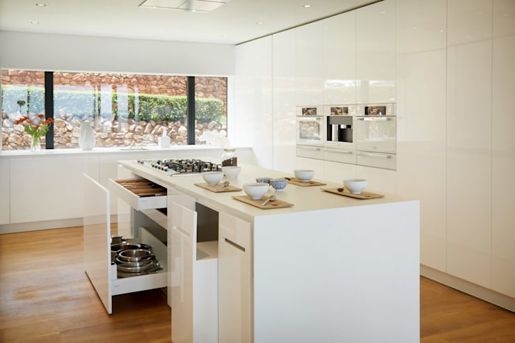 Kitchen by FABRI