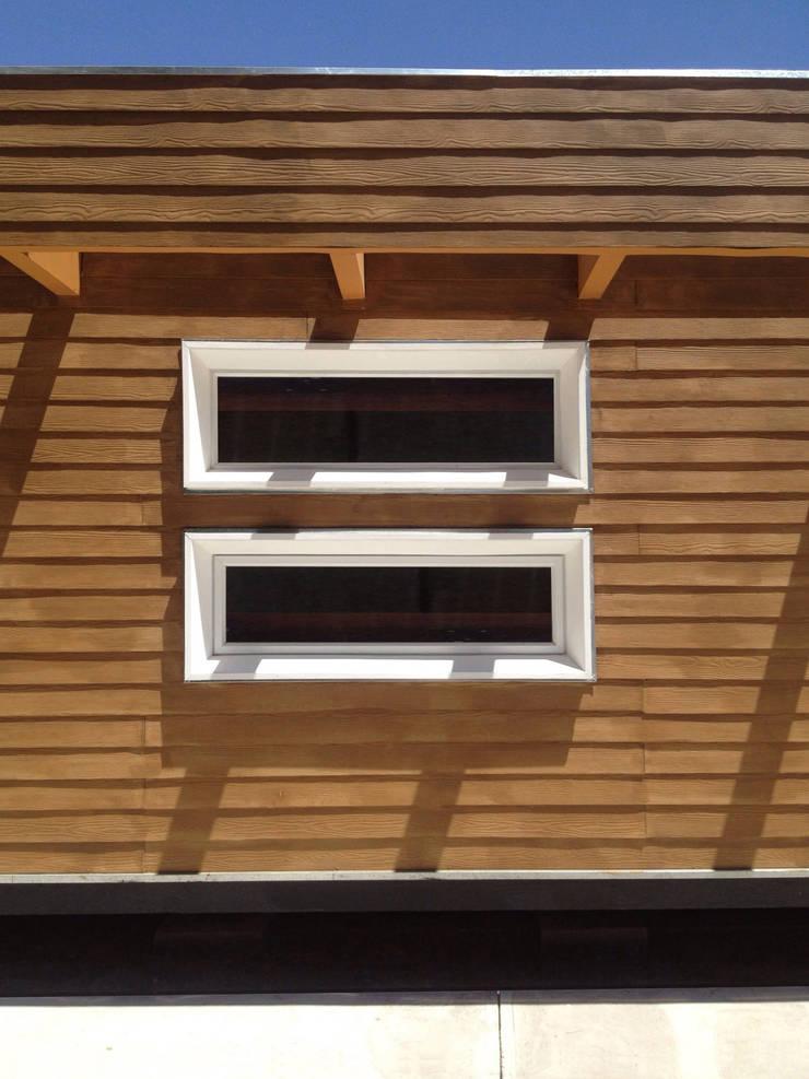 Detalle de fachada: Casas de estilo  por Constructora CONOR Ltda - Arquitectura / Construcción