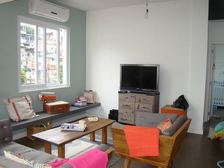 Salas de estilo  por BF Sustentabilidade, Arquitetura e Iluminação