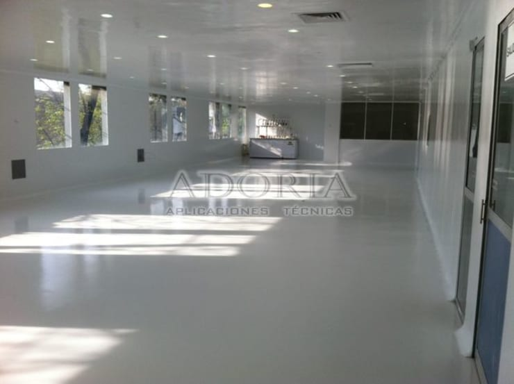 Piso Epoxico Laboratorios Edificios de oficinas de estilo industrial de Adoria Aplicaciones Técnicas Industrial
