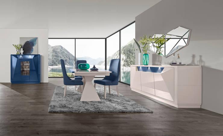 Mobiliário de sala de jantar  Dining room furniture www.intense-mobiliario.com   TNAMAID : Sala de jantar  por Intense mobiliário e interiores;
