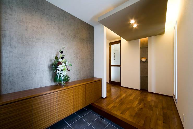 Corridor & hallway by Franka