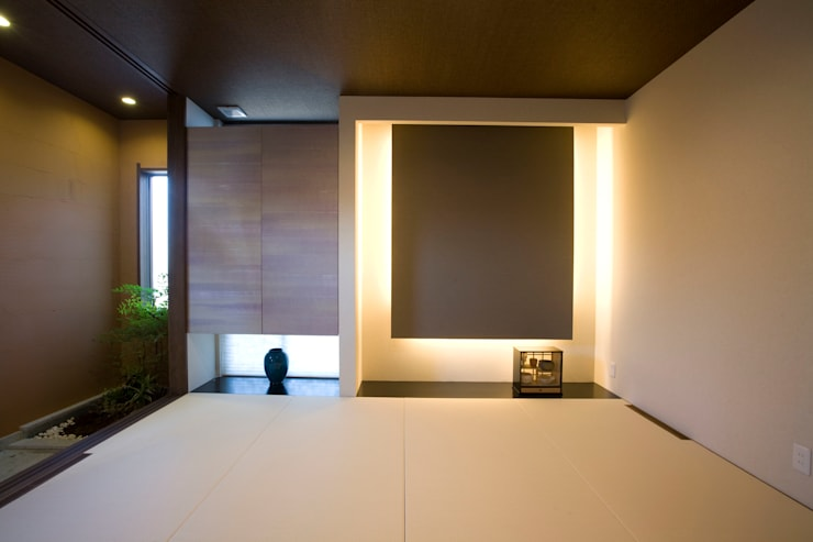 Modern media room by Franka Modern