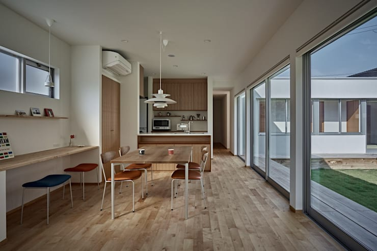 T字の家: toki Architect design officeが手掛けたダイニングです。
