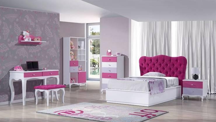Mobiliário juvenil Young furniture www.intense-mobiliario.com  LEIRA: Quarto  por Intense mobiliário e interiores;
