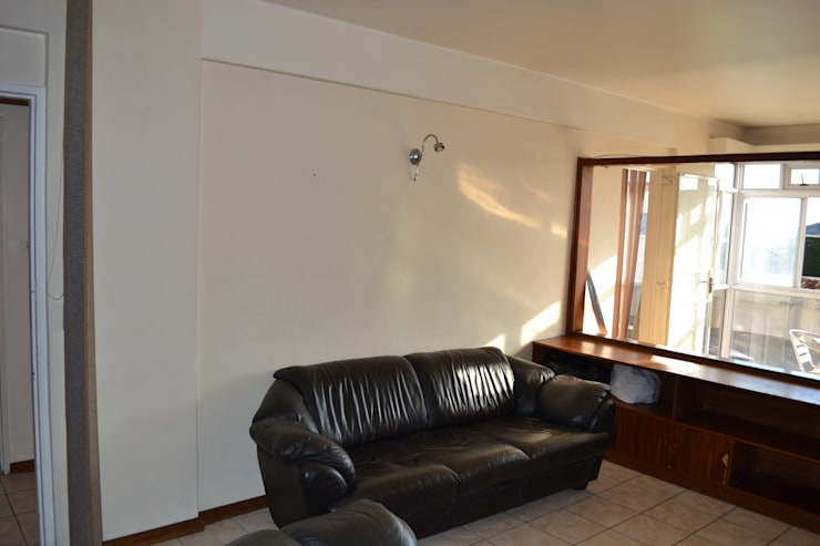 Living Room Before :   by Oscar Designs