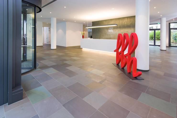 Bürogebäude Theresienhöhe MK5, München:  Bürogebäude von Heinrich Quirrenbach Naturstein Produktions- und Vertriebs GmbH