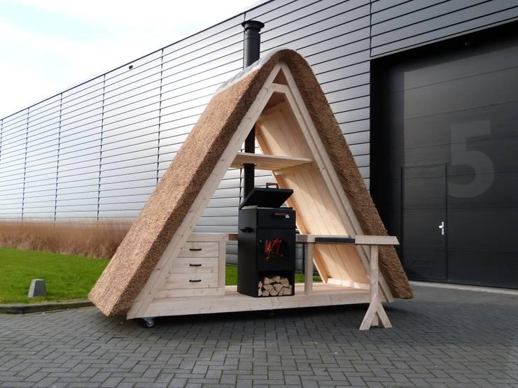 Design buitenkeuken:   door Parasolux, Landelijk