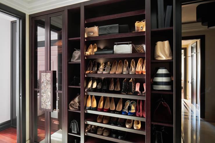 Мебель: гардеробная Haute Couture: Гардеробная в . Автор – LUMI