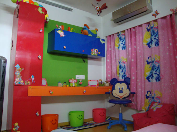 Kids Room:  Nursery/kid's room by Takeaway Interiors