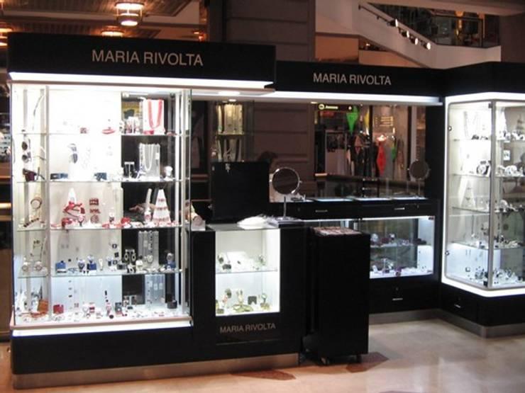 Iluminacion leds Maria rivolta: Oficinas y locales comerciales de estilo  por Iluminación LED
