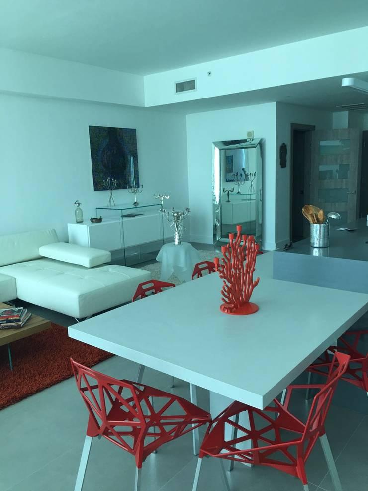 Proyecto Boca Ratrón, Estado de la Florida. USA: Comedores de estilo  por THE muebles