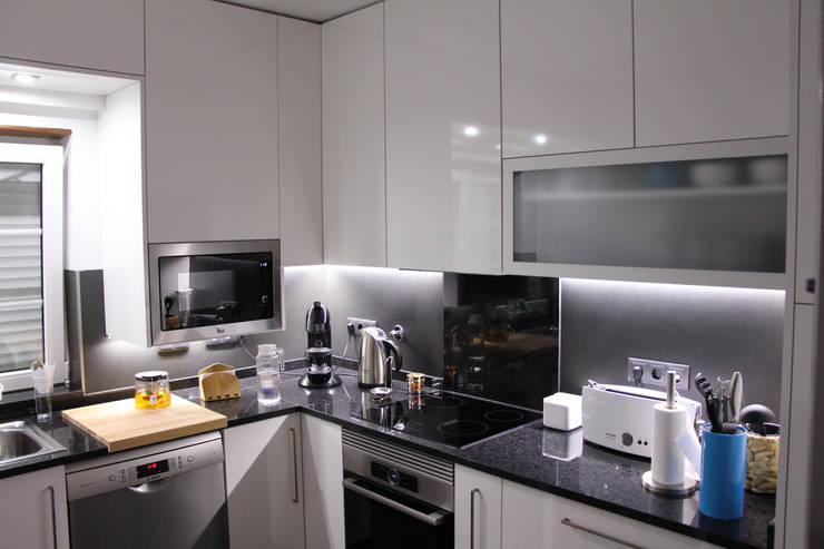 depois FC 3: Cozinha  por Cozicentro Lda