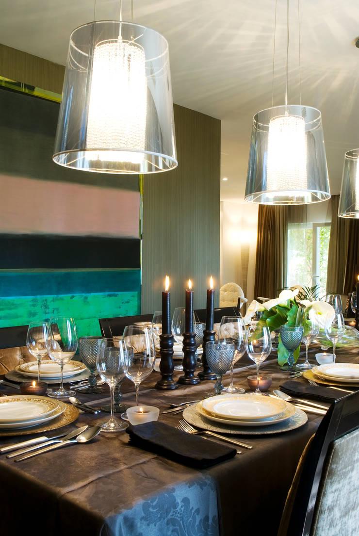 COLOR HOME: Salas de jantar  por Andreia Abrantes