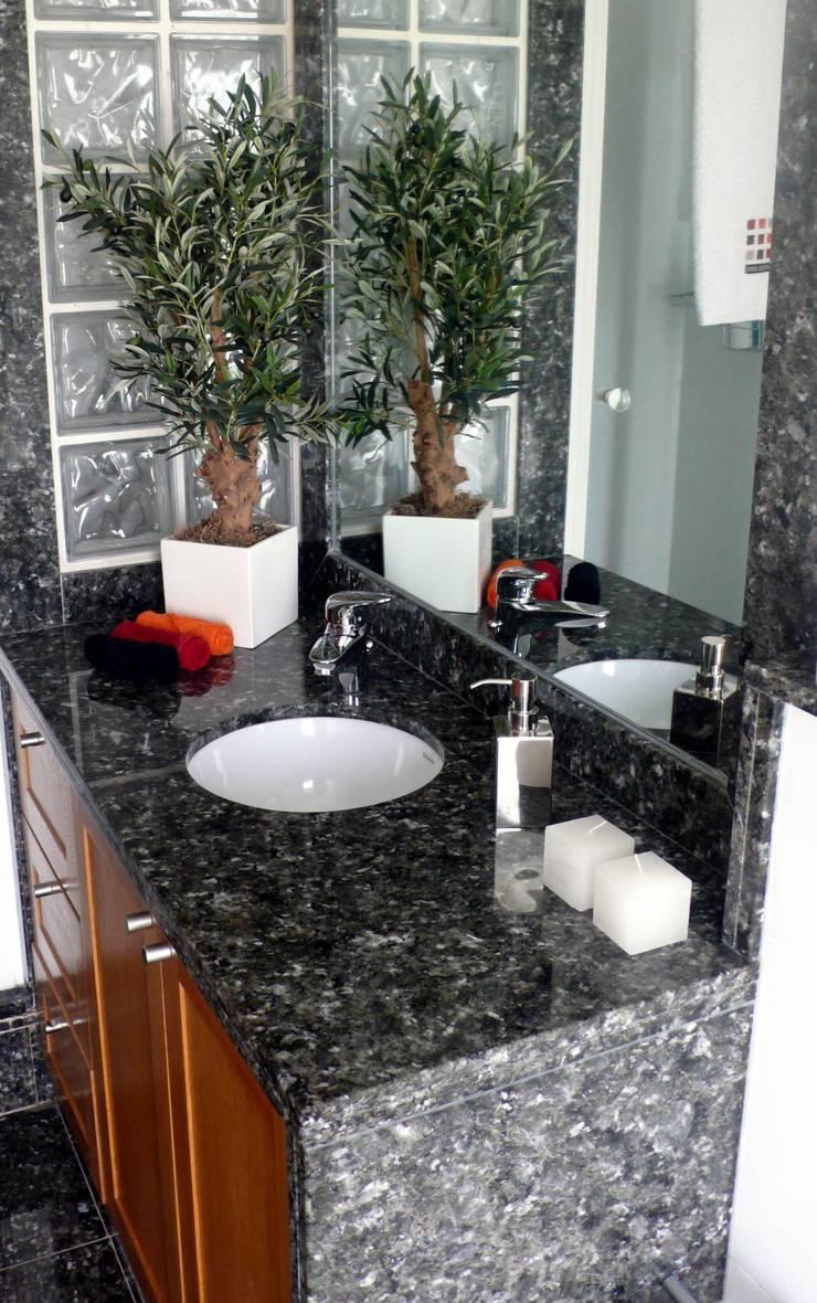 Living Home: Casas de banho  por Andreia Abrantes
