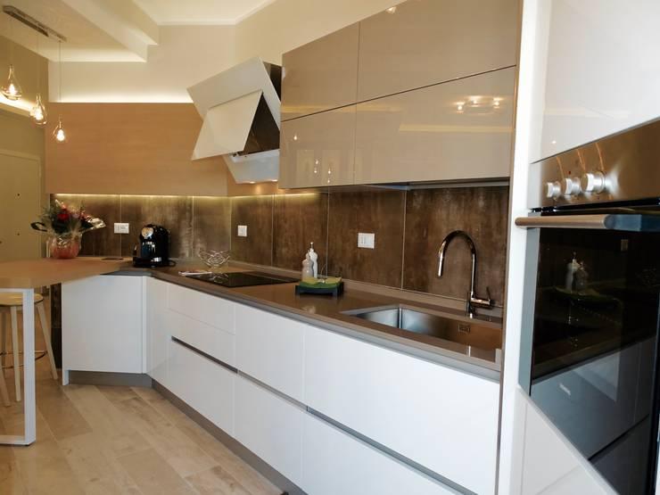 casa moderna a Roma: Cucina in stile  di NicArch