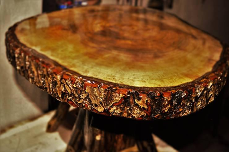 Coşkun Ahşap Dekorasyon – walnut table(ceviz masa/sehpa):  tarz , Rustik Ahşap Ahşap rengi
