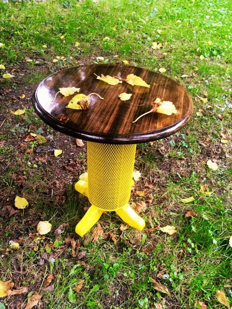 Coşkun Ahşap Dekorasyon – sarı sac gövde,vernikli sehpa:  tarz , Rustik Ahşap Ahşap rengi