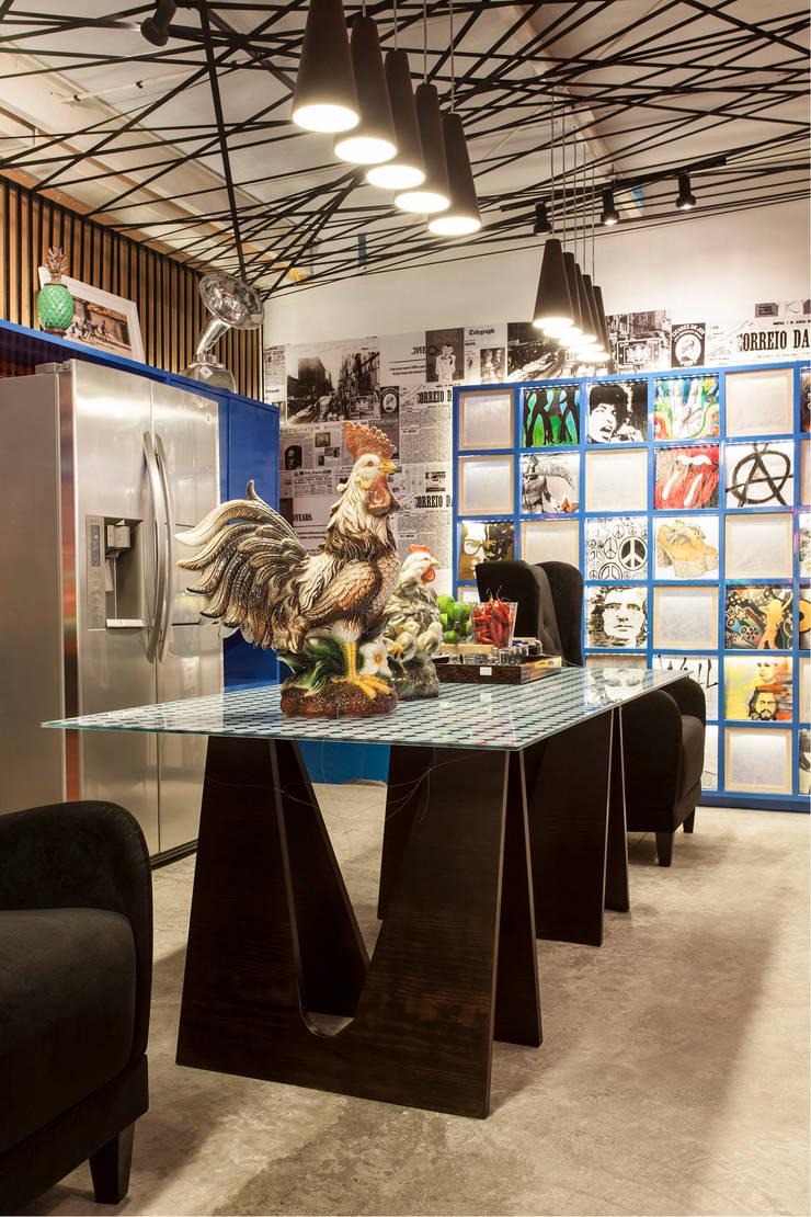 Decoração de Restaurante MonCrepe | Salvador-Ba: Espaços gastronômicos  por Maria Julia Faria Arquitetura e Interior Design