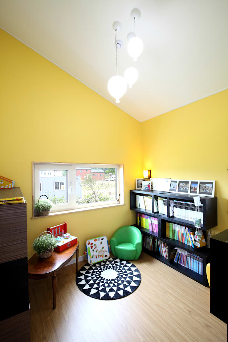 Dormitorios infantiles de estilo  por 주택설계전문 디자인그룹 홈스타일토토, Moderno Aglomerado