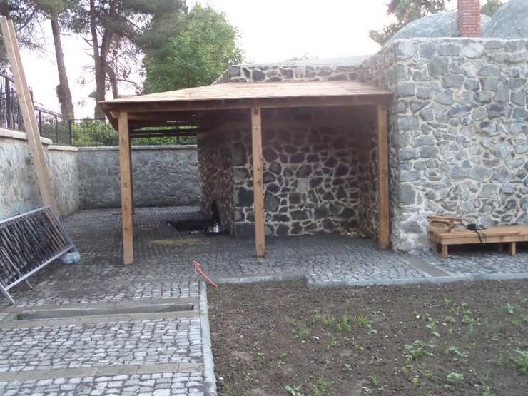 Rumah Klasik Oleh Gürsoy Kerestecilik Klasik Kayu Wood effect