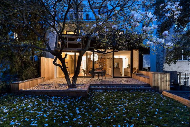 Maisons de style de style Moderne par bogenfeld Architektur