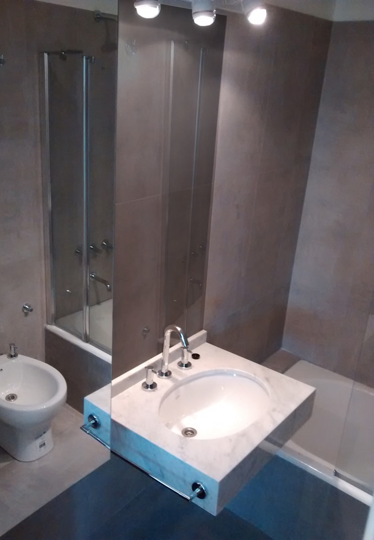 Bathroom by Area61 Arquitectura