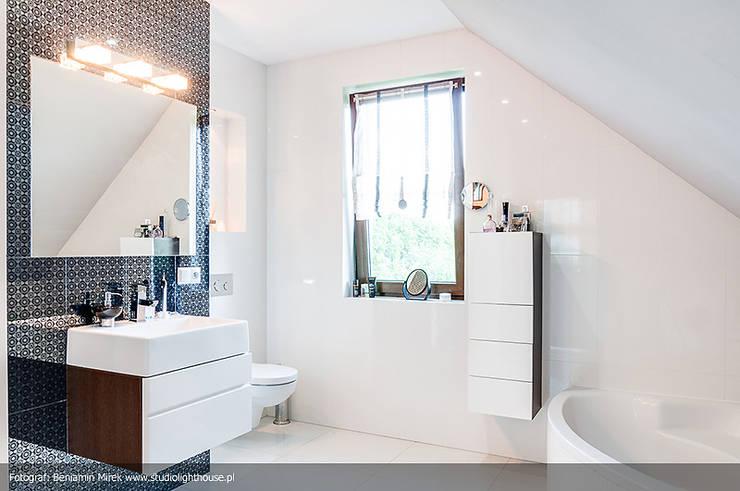 modern Bathroom by Biuro Projektów MTM Styl - domywstylu.pl