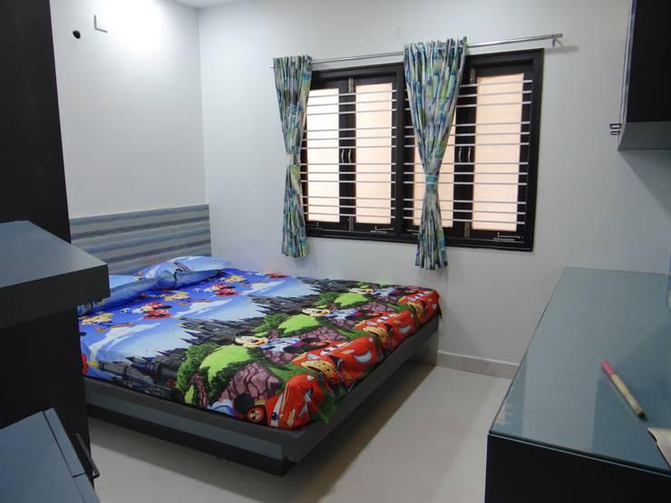 Children bedroom: modern Bedroom by Hasta architects