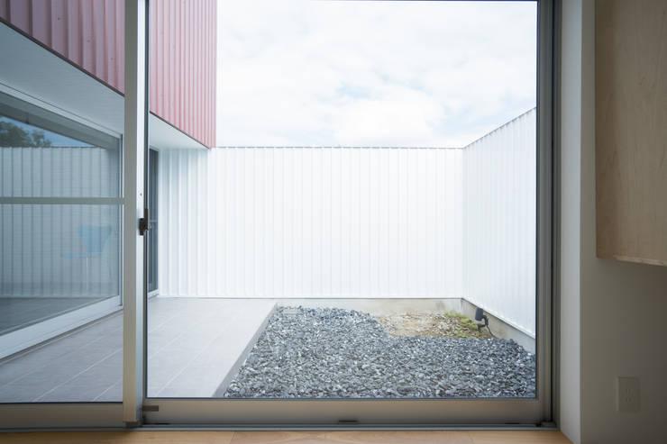 Projekty,  Taras zaprojektowane przez Smart Running一級建築士事務所