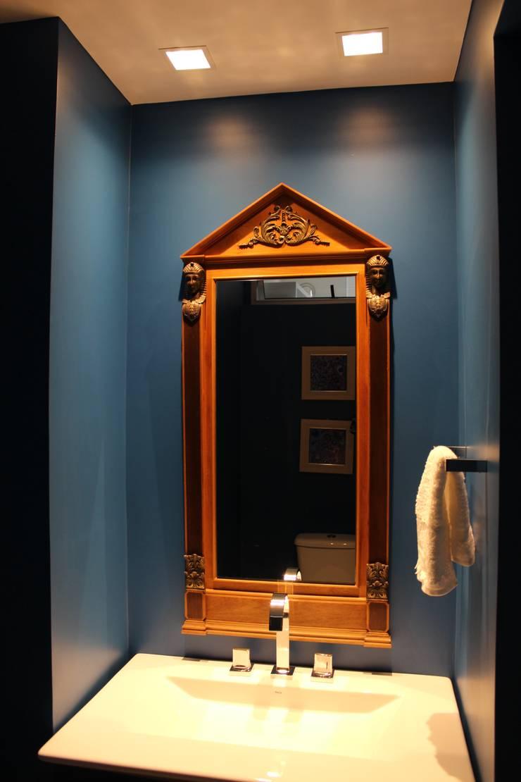Bathroom by Ocapi Arquitetura