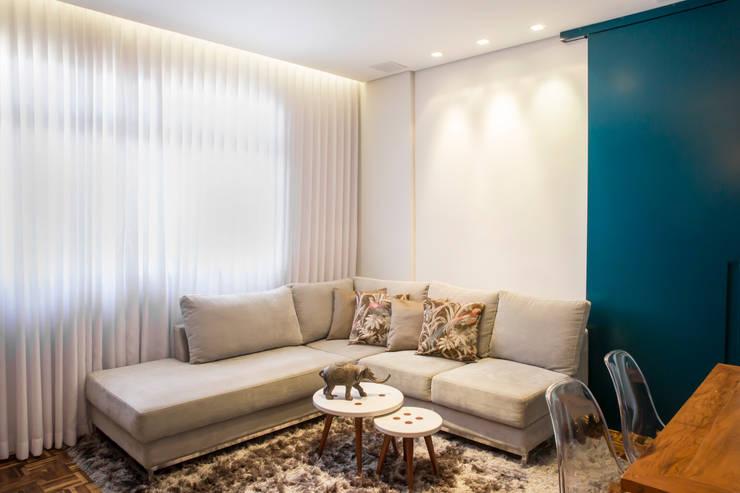 现代客厅設計點子、靈感 & 圖片 根據 Ocapi Arquitetura 現代風