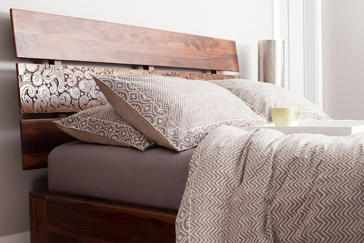 How to: Make your bed like Professionals: modern Bedroom by Rosewood Home and Condo