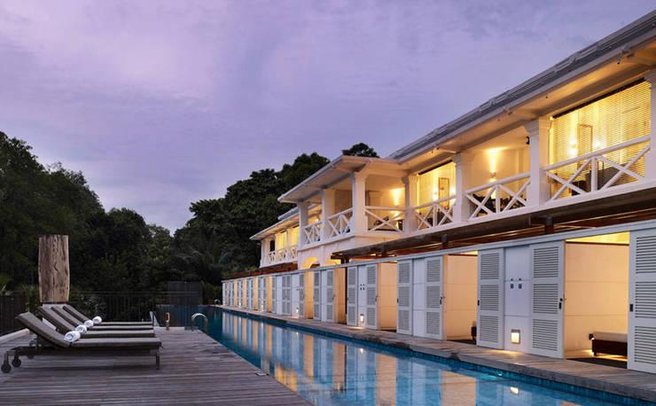 Pool:  Hotels by Deirdre Renniers Interior Design,Tropical