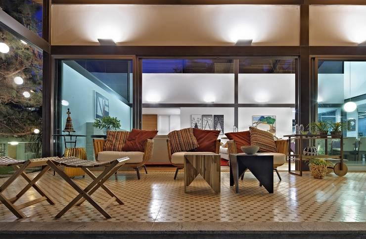 บ้านและที่อยู่อาศัย by David Guerra Arquitetura e Interiores