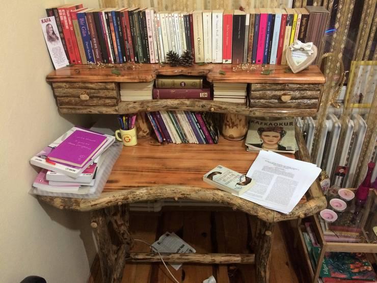 Coşkun Ahşap Dekorasyon – çalışma odası:  tarz Çalışma Odası
