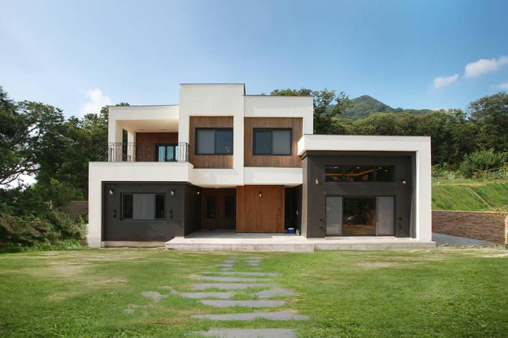 Houses by 지성하우징