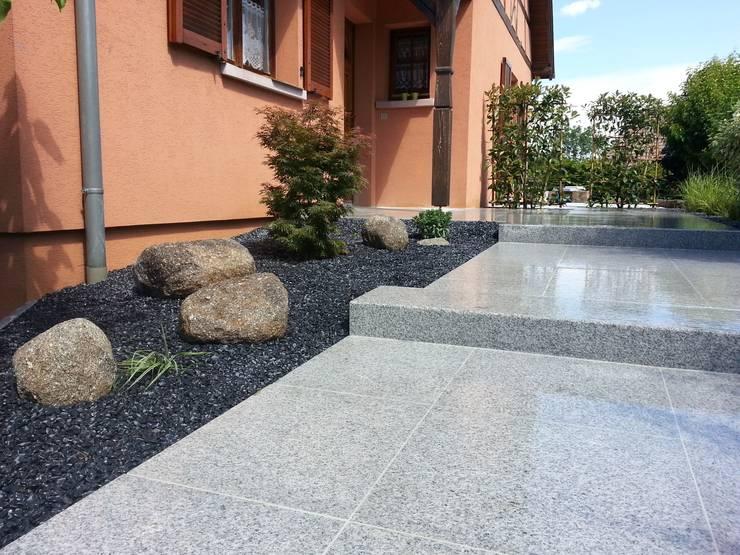 Escaliers en granit Maisons modernes par Schwein Aménagement Moderne Granite