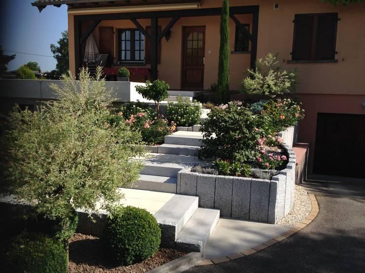 Escalier paysager Jardin moderne par Schwein Aménagement Moderne Granite