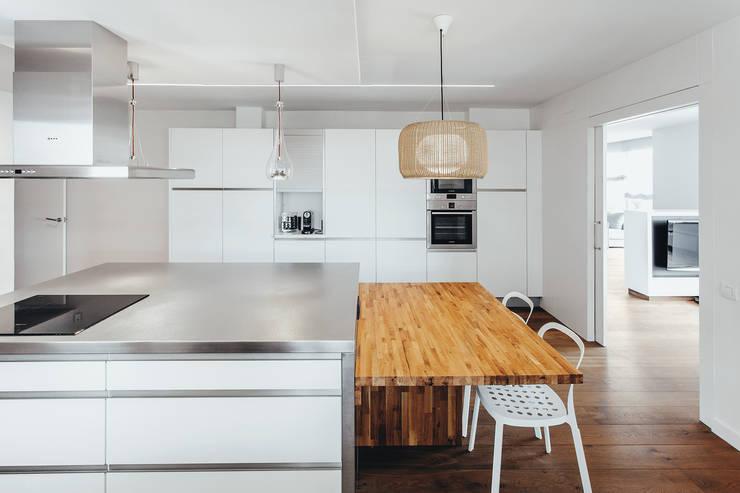 Kitchen by dom arquitectura, Modern