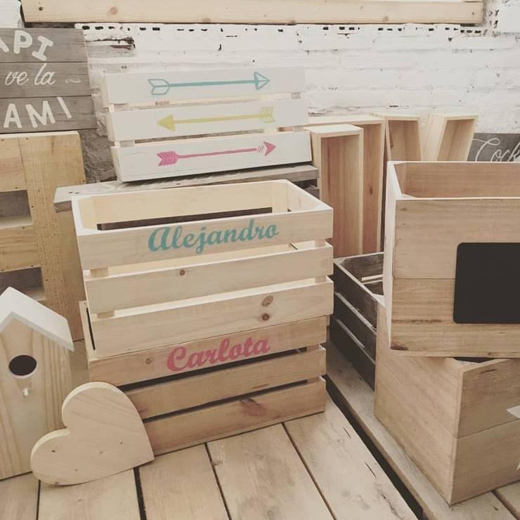Dormitorios infantiles de estilo moderno por HAPPYHOME BARCELONA