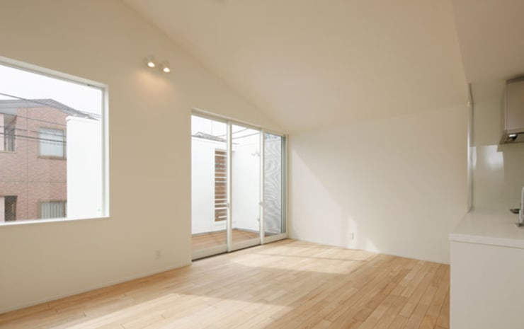 Living room by 株式会社Fit建築設計事務所, Modern Wood Wood effect
