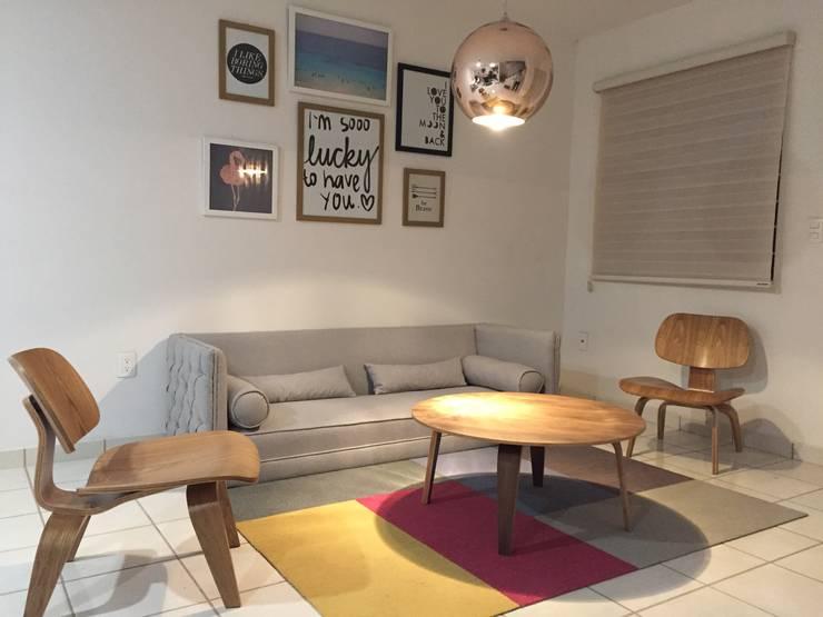 Salas / recibidores de estilo moderno por DECO designers